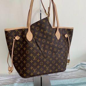 Louis Vuitton 12.6 x 11.4 x 6.7